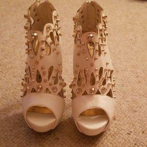 Shoedazzle Embellished Heels NWOT